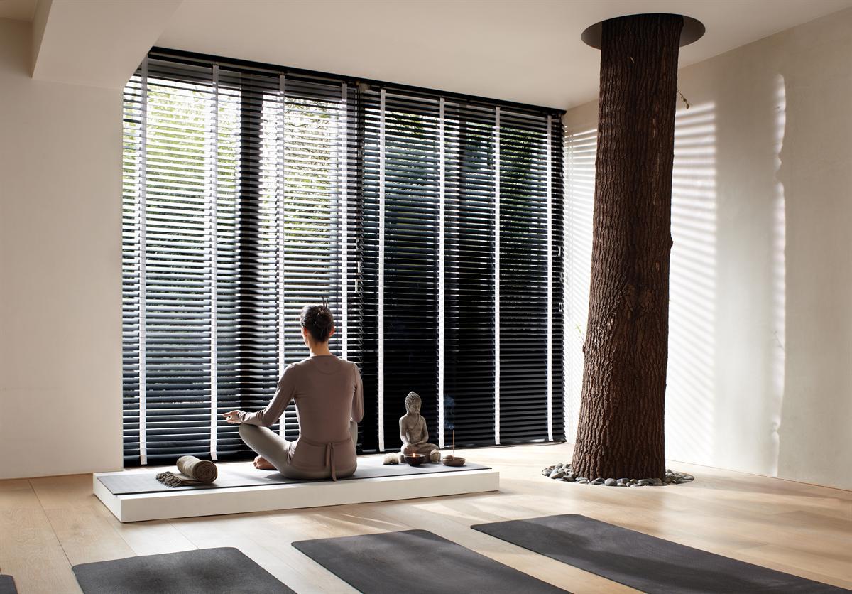 Luxaflex houten jaloezieen bestellen nu 30 korting for Raamdecoratie hout